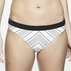 Athlete white back stripes bikini bottom D0179